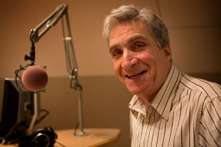 Robert Pinsky at microphone